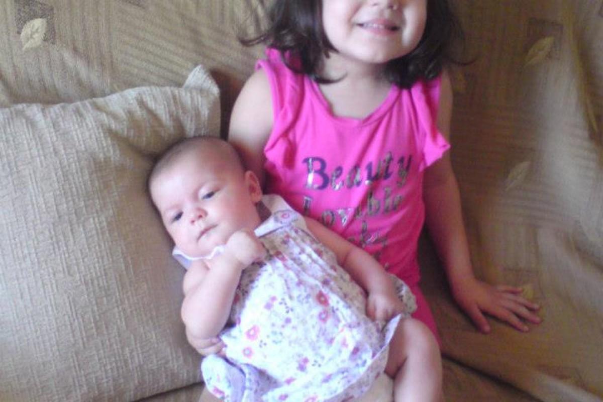 Τα δυο μας κοριτσάκια!