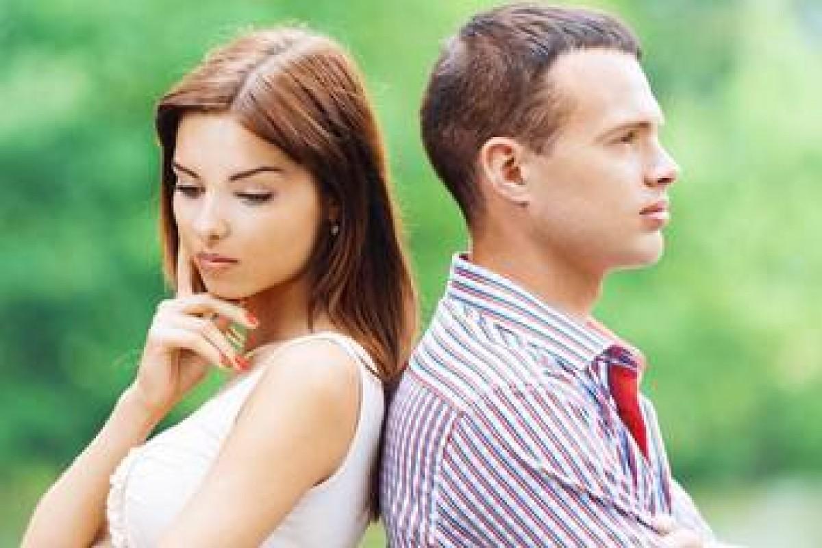 Ο σύζυγος είναι κολλημένος με την πρώην…