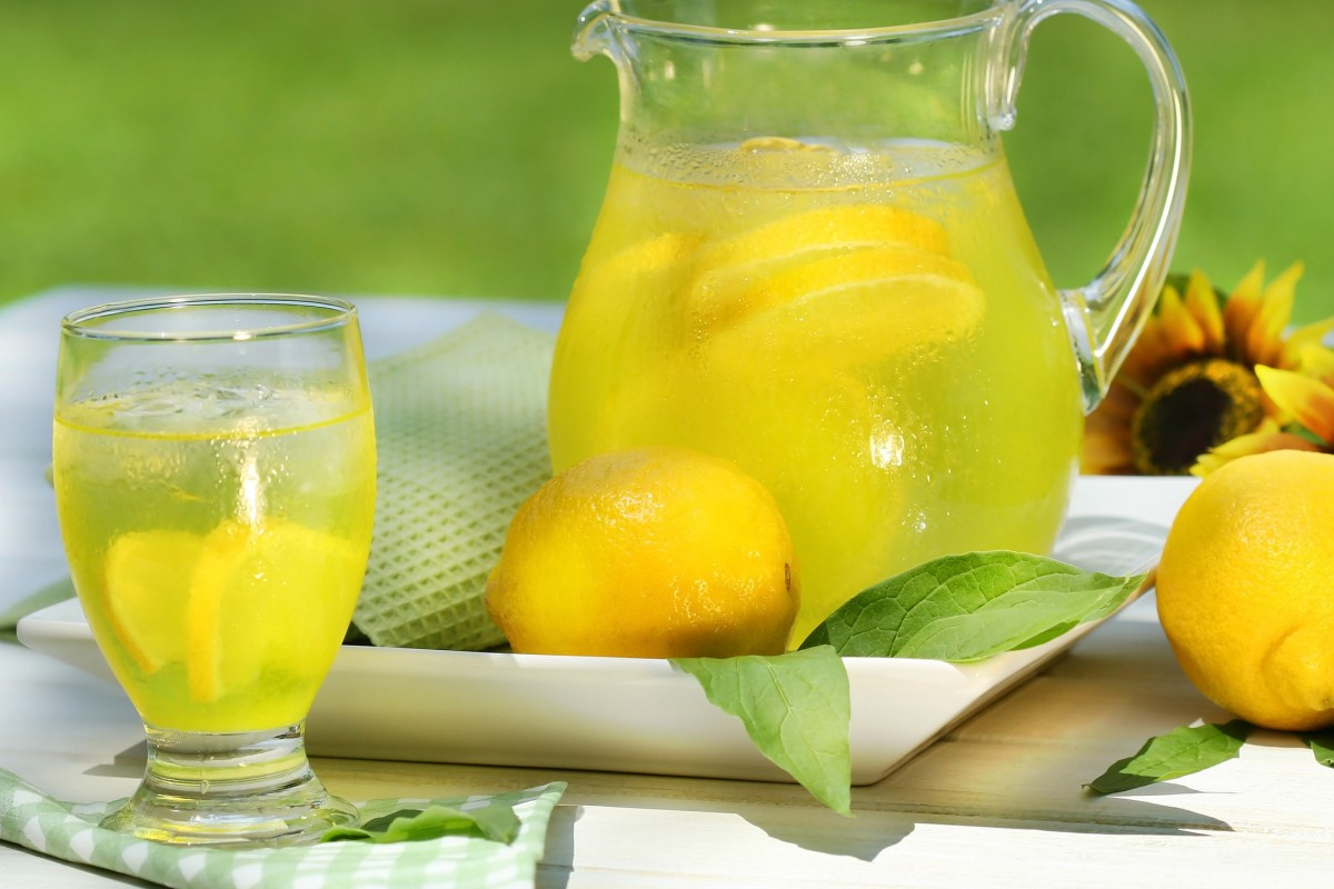 Πανεύκολη, μυρωδάτη, σπιτική λεμονάδα!