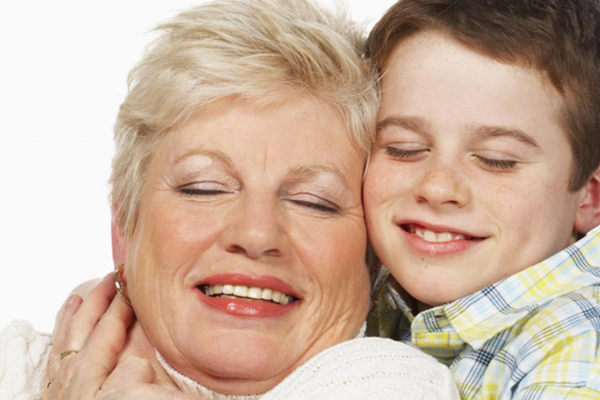 Πώς να εξηγήσω στο γιο μου ότι η αγαπημένη του γιαγιά θα «φύγει»;