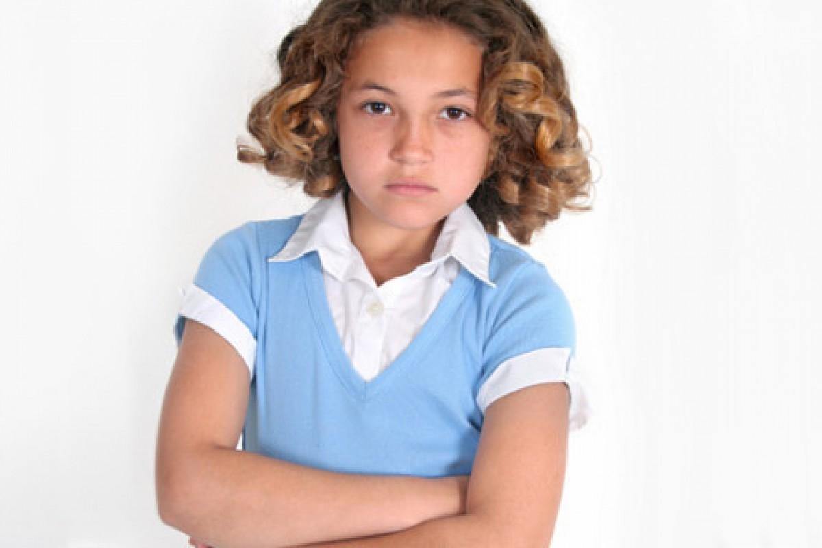 Τι κάνεις όταν ο φίλος του παιδιού σου συμπεριφέρεται άσχημα στο σπίτι σας;