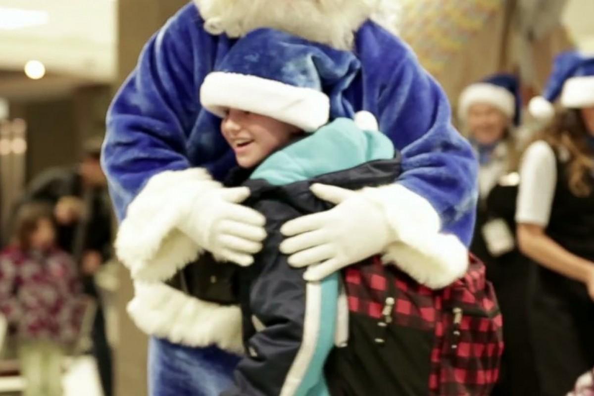 Ένα συγκινητικό, χριστουγεννιάτικο θαύμα στον αέρα μάς κάνει να πιστέψουμε στον Άι Βασίλη