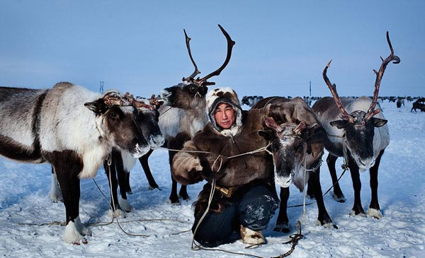 Inuits-From-Chukotka-By-Photographer-Sasha-Leahovcenco-9