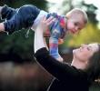 Μητέρα υποβάλεται σε επέμβαση για τον καρκίνο της όσο είναι έγκυος και σώζει τη ζωή του παιδιού της