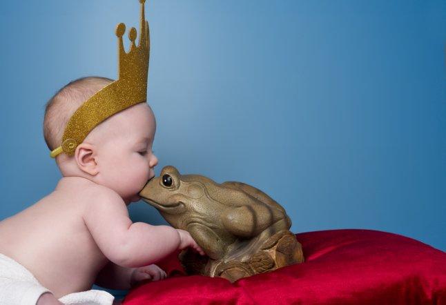 Georgia (16 weeks) recreates The Frog Prince_646x442