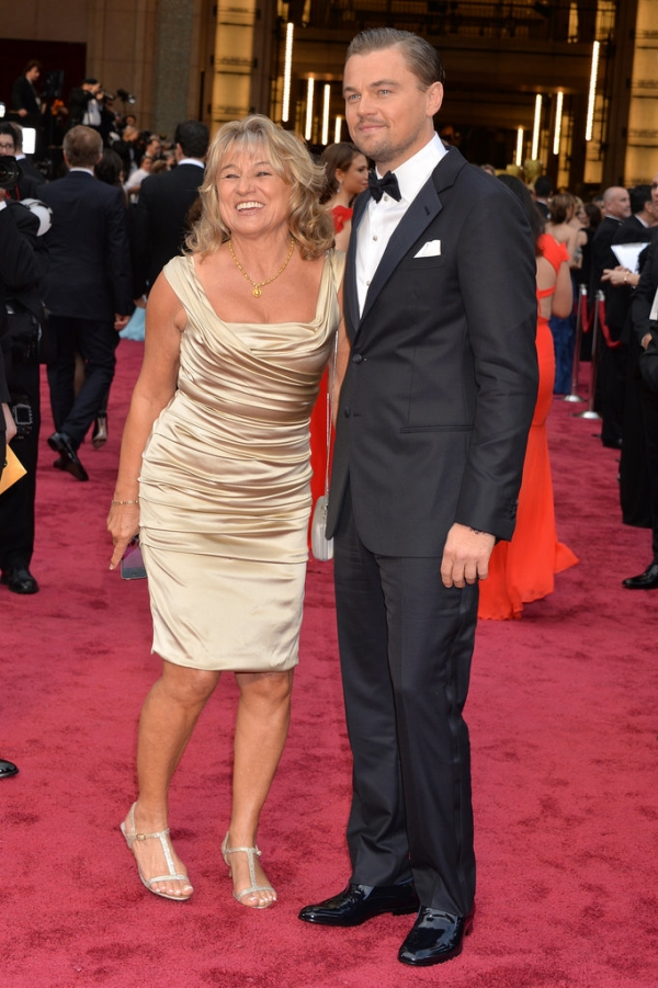leonardo-dicaprio-and-mom-at-the-oscars