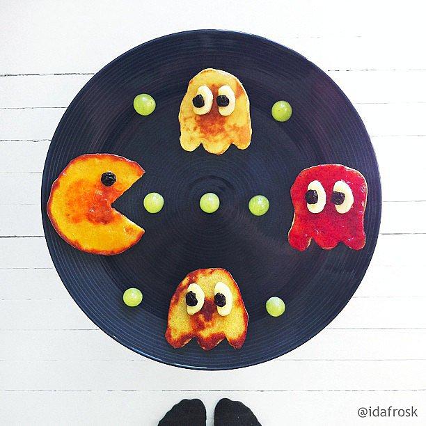 Pancake-Pac-Man-dried-blueberry-eyes-fun-way-start