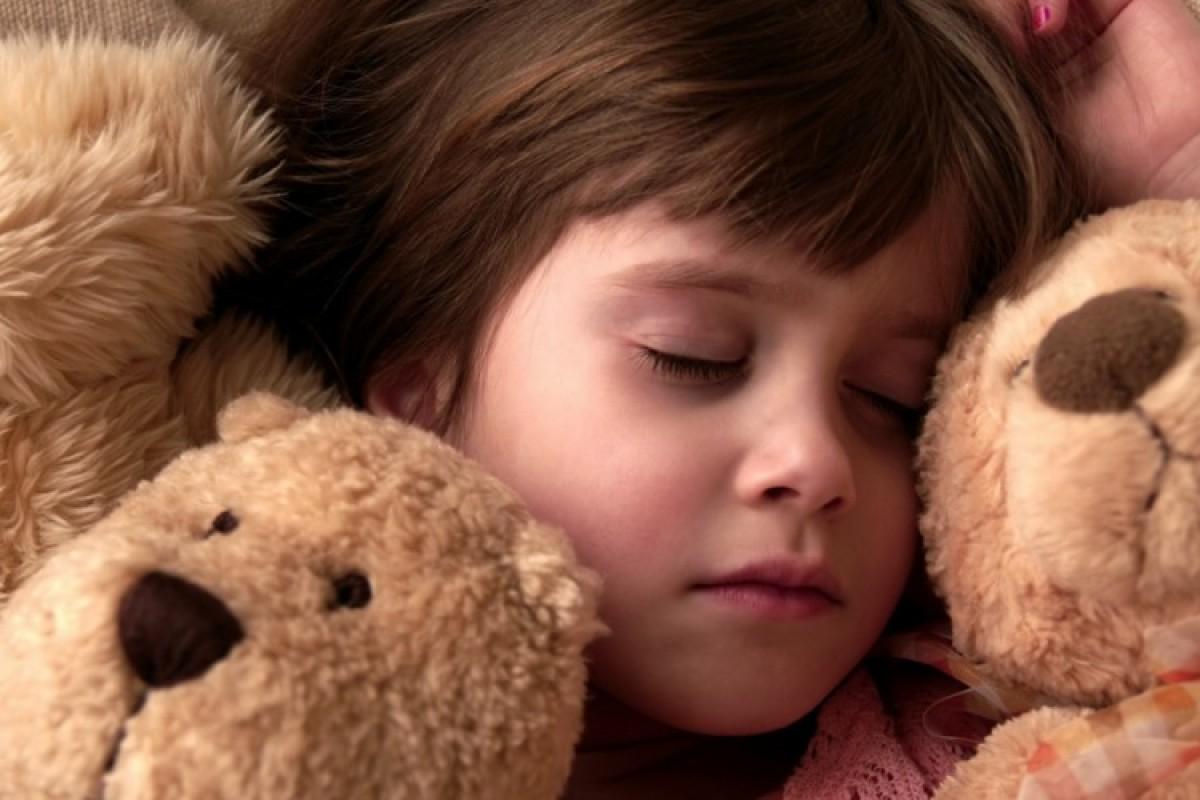 Πώς θα κόψει την πάνα στον ύπνο;