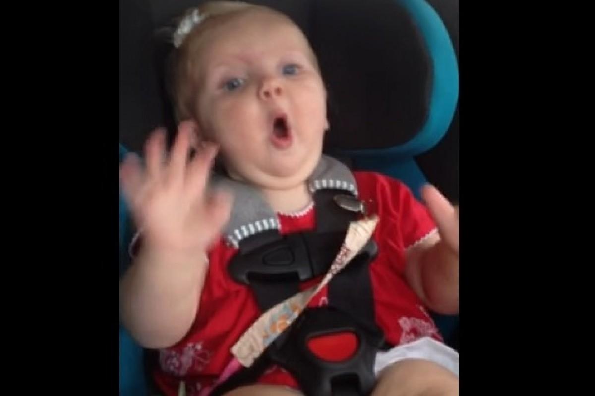 Δείτε πώς μπορείτε να ηρεμήσετε το μωρό σας που κλαίει στο αυτοκίνητο