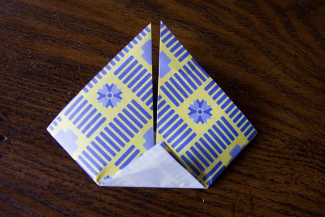 origami-boat-garland-10-of-14