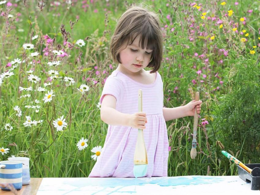 Ένα αυτιστικό κορίτσι 5 ετών μας αφήνει άφωνους με τις ζωγραφιές της