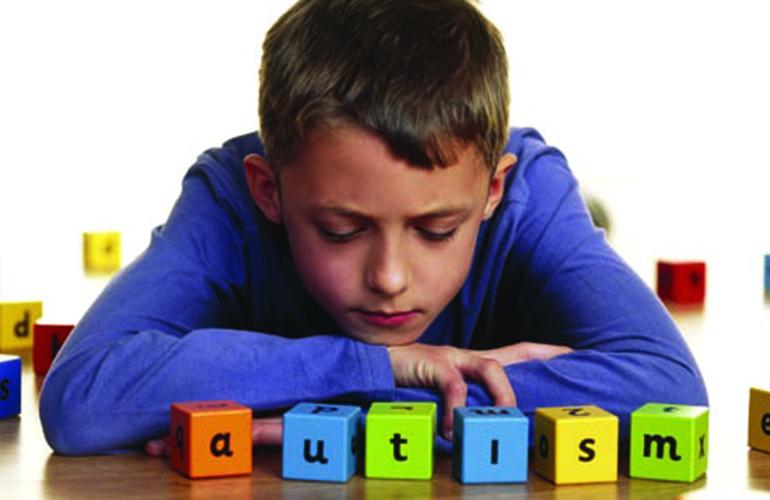 Μου έλεγαν ότι ο αυτισμός δεν αφορά το παιδί μου, όμως…