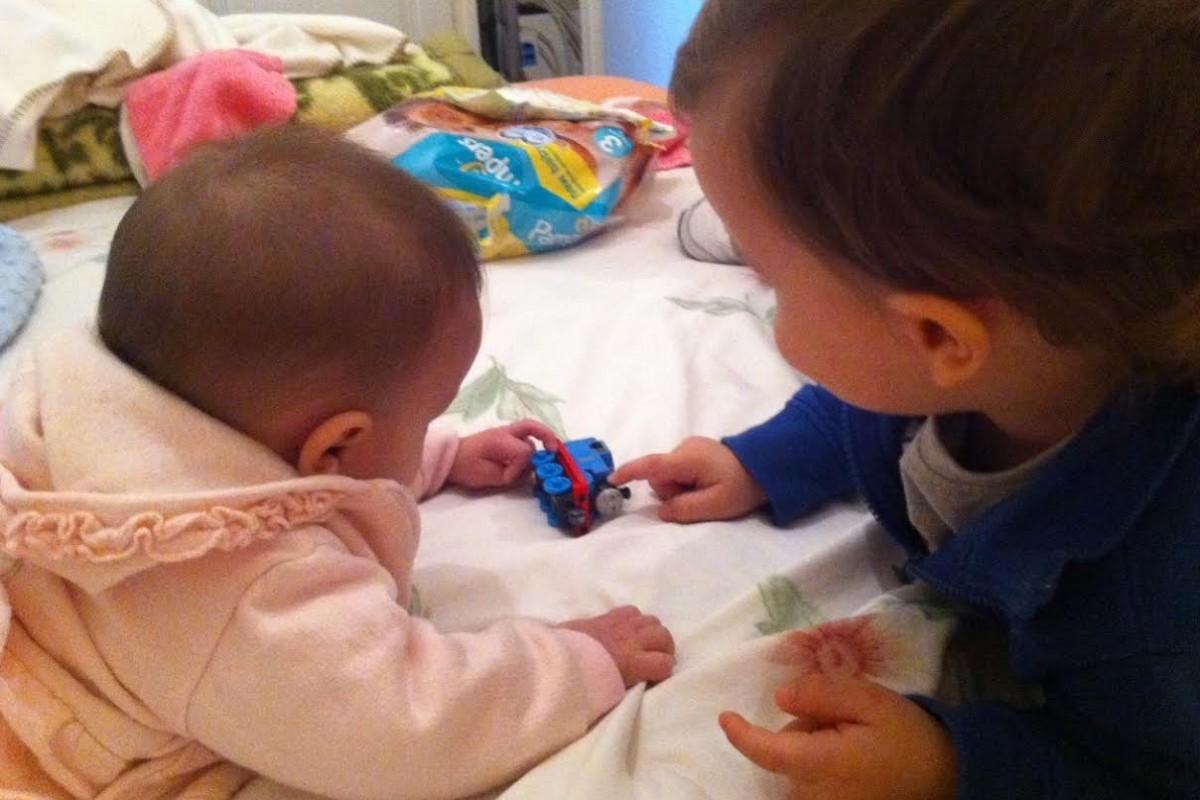 Tandem nursing: θηλάζοντας ταυτόχρονα τα δυο παιδάκια μου!