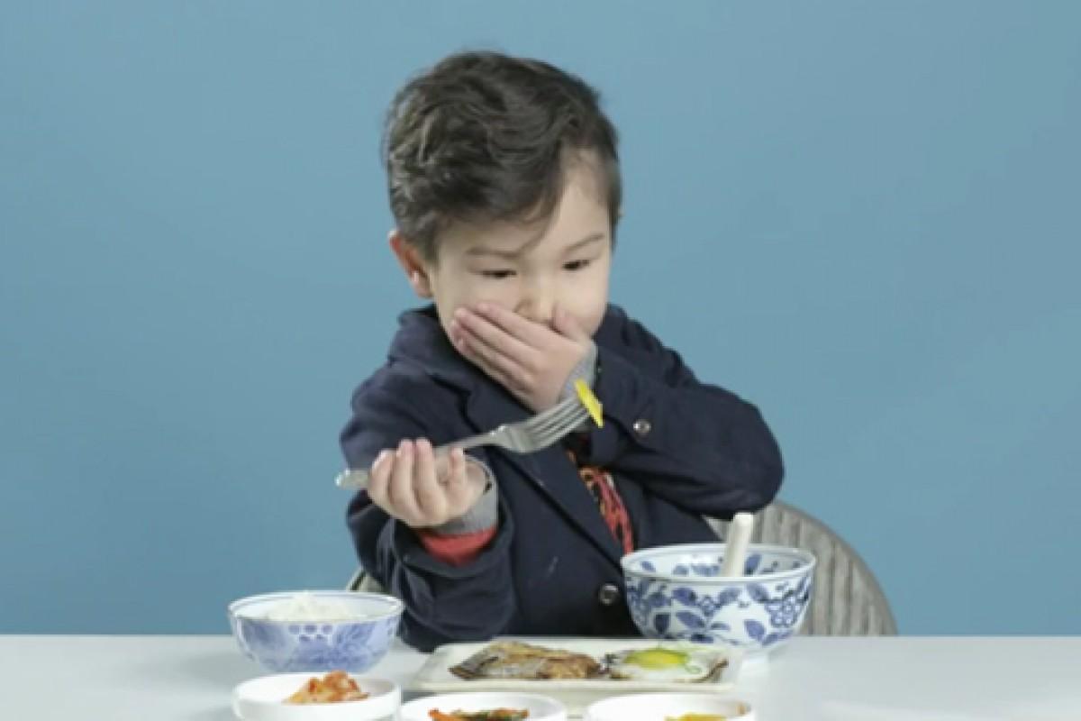 Παιδάκια δοκιμάζουν πρωινά από όλο τον κόσμο