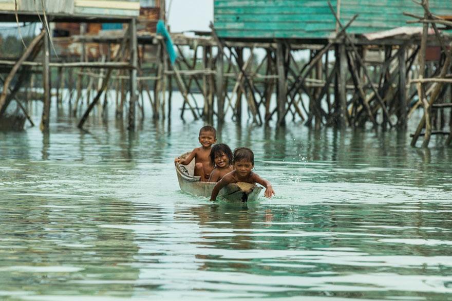 sea-tribe-gipsies-the-bajaus-rehan-borneo-10
