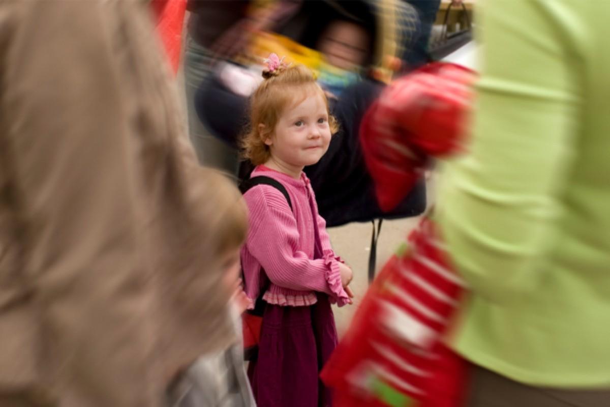 Οδηγίες για γονείς: Η ασφάλεια των παιδιών σε πολυσύχναστα μέρη