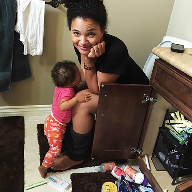 Breast-feeding-mom-INLINE