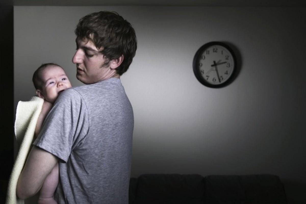 Τα βράδια ξυπνάει ο σύζυγός μου – κι αυτό έχει σώσει το γάμο μας
