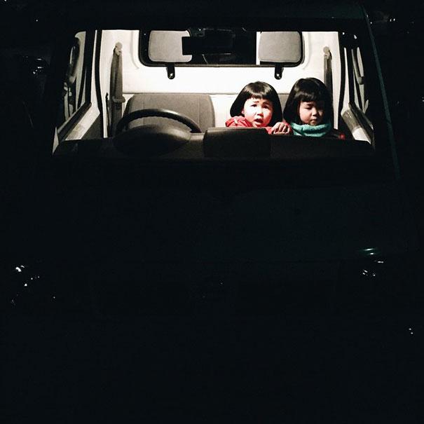 childhood-twin-sisters-family-pictures-sunmoooon-akira-oozawa-10