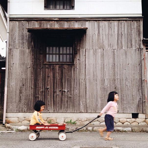 childhood-twin-sisters-family-pictures-sunmoooon-akira-oozawa-131