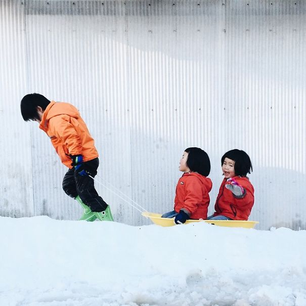 childhood-twin-sisters-family-pictures-sunmoooon-akira-oozawa-13__605