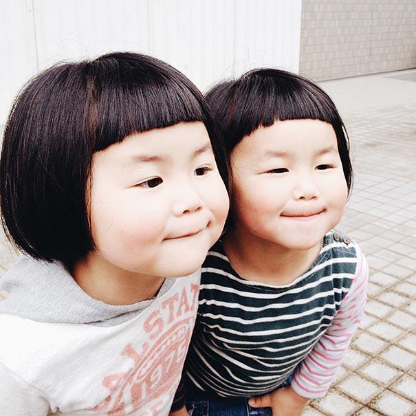 childhood-twin-sisters-family-pictures-sunmoooon-akira-oozawa-34__605