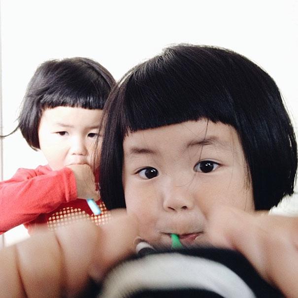 childhood-twin-sisters-family-pictures-sunmoooon-akira-oozawa-7