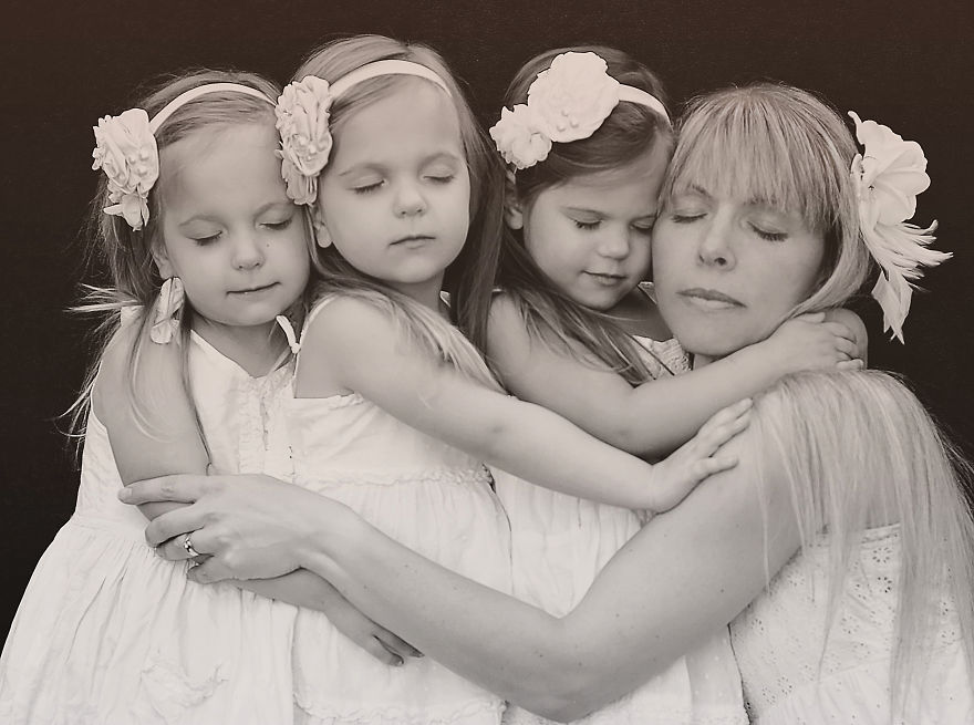 41-months-girls-photo-shoot-with-mummys__880