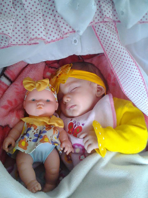 babies-and-look-alike-dolls-11__605