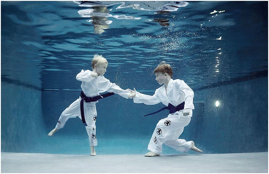 kids-underwater-sport-photographer-alix-martinez_0109__880