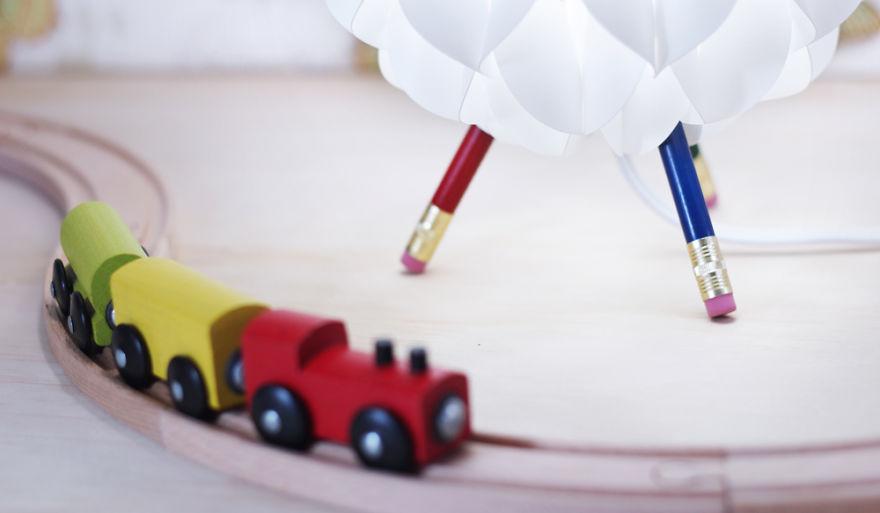 ks-niki-lamp-colored-train__880