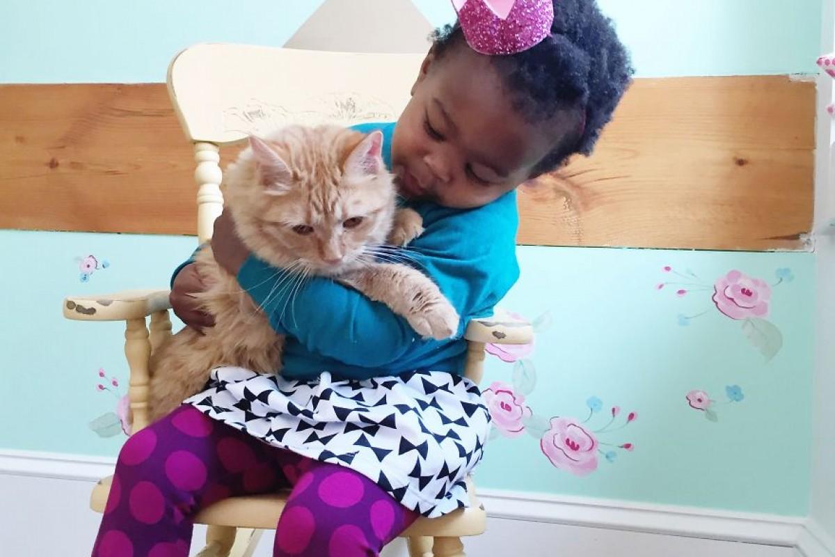 Η Libby και η γάτα της: Δυο αχώριστες φίλες