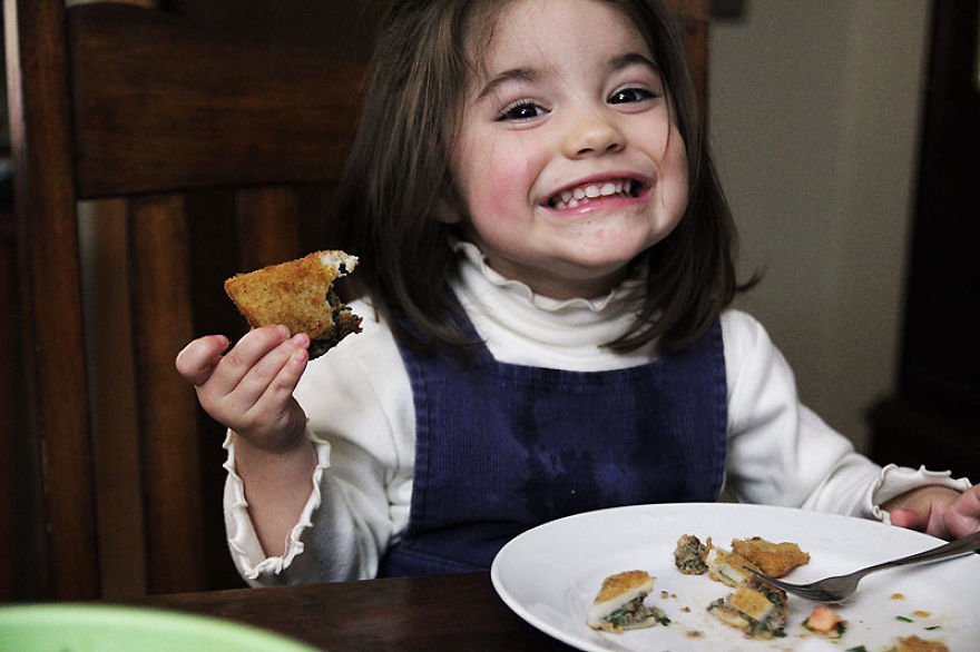 I-fed-my-little-girl-a-meal-from-195-countries-it-was-bonkers-cute21__880