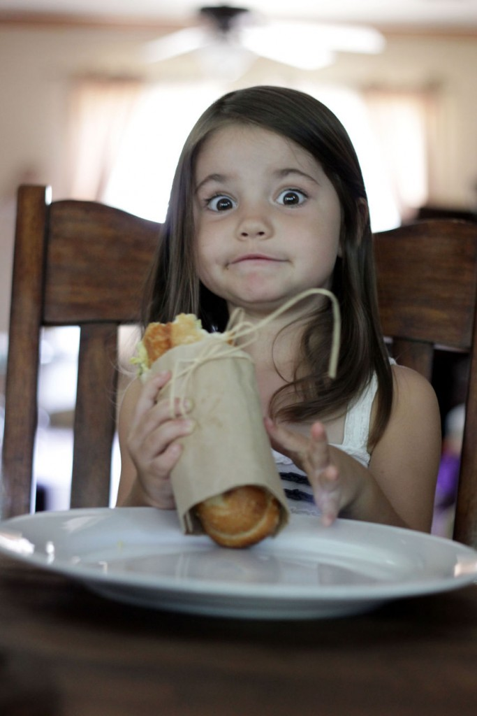 I-fed-my-little-girl-a-meal-from-195-countries-it-was-bonkers-cute22__880