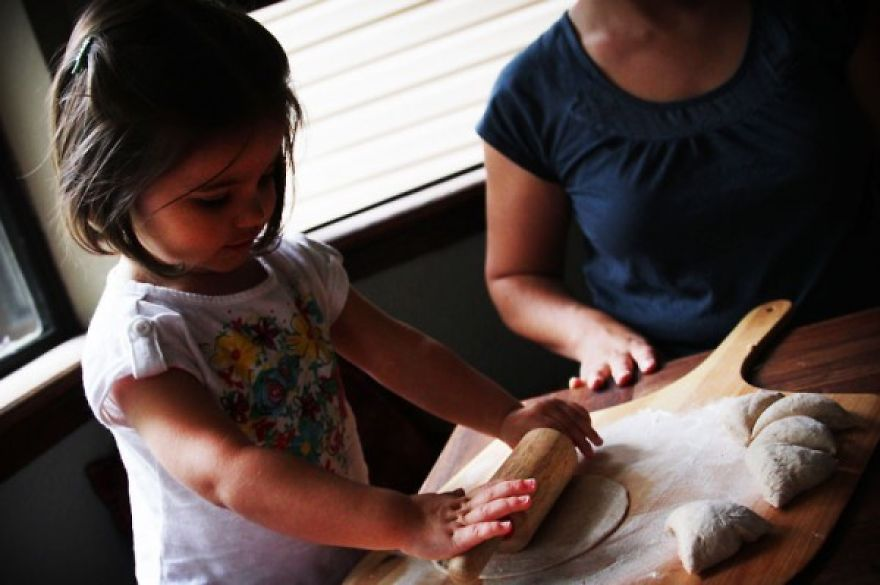I-fed-my-little-girl-a-meal-from-195-countries-it-was-bonkers-cute4__880