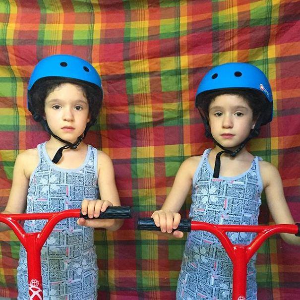 Mirror-Sisters10__605