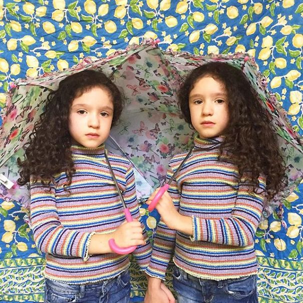 Mirror-Sisters2__605