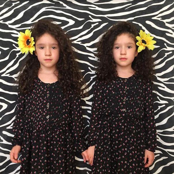 Mirror-Sisters4__605