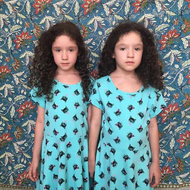 Mirror-Sisters7__605