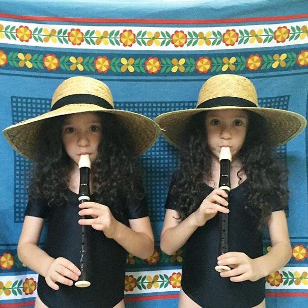 Mirror-Sisters9__605