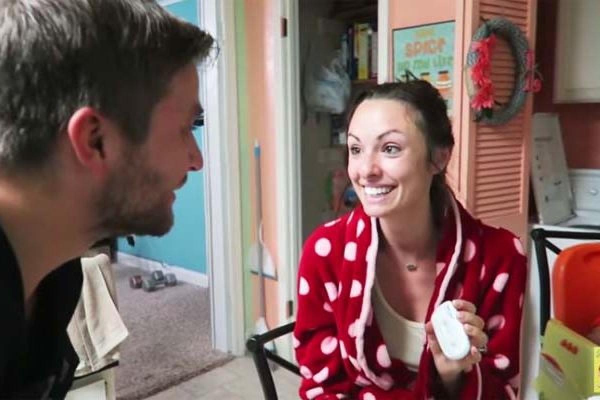 Απίστευτο κι όμως αληθινό: Πώς αυτή η κοπέλα έμαθε ότι είναι έγκυος… από τον σύζυγό της!