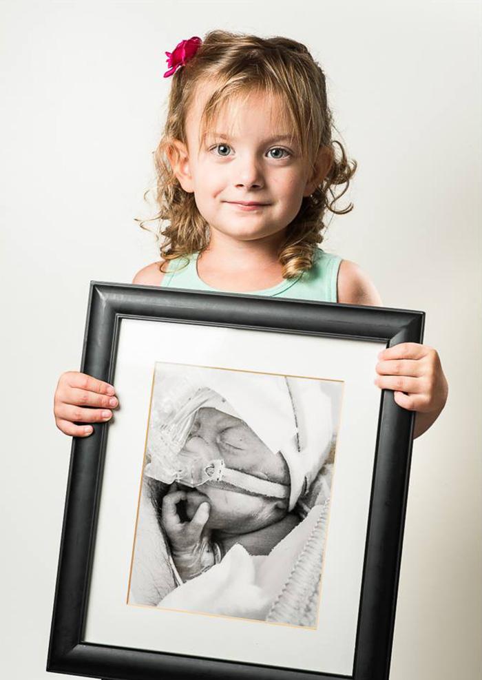 premature-baby-portraits-les-premas-red-methot-22