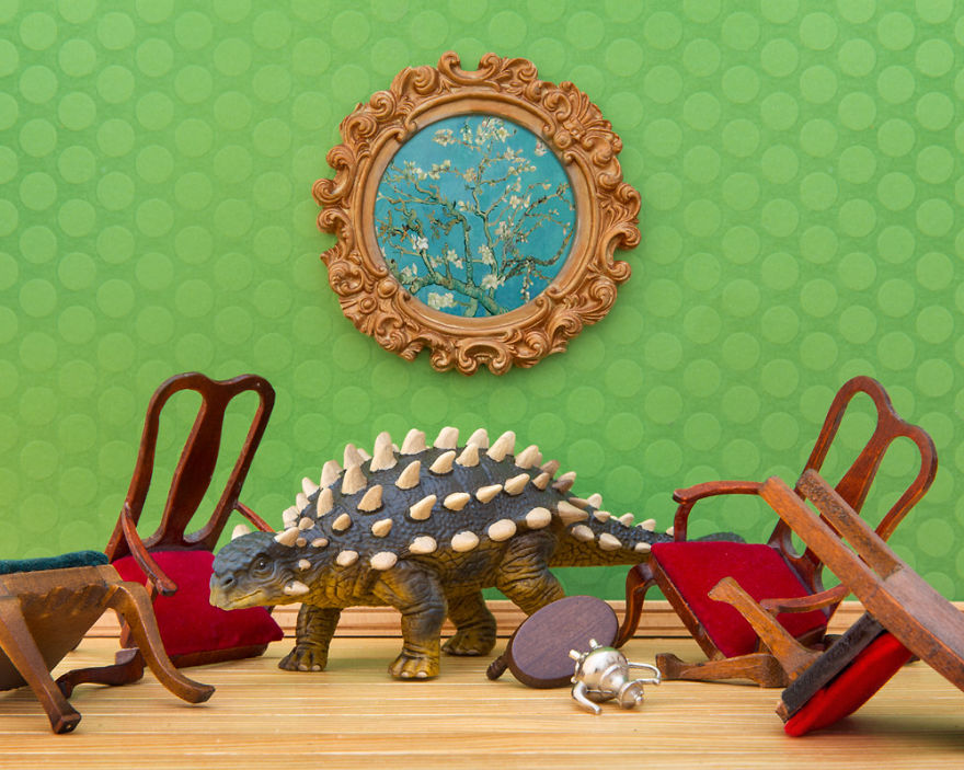 i-teach-my-daughter-photography-by-creating-domestic-dinosaur-scenes-7__880