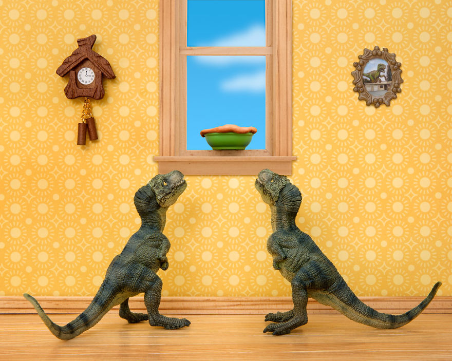 i-teach-my-daughter-photography-by-creating-domestic-dinosaur-scenes-9__880