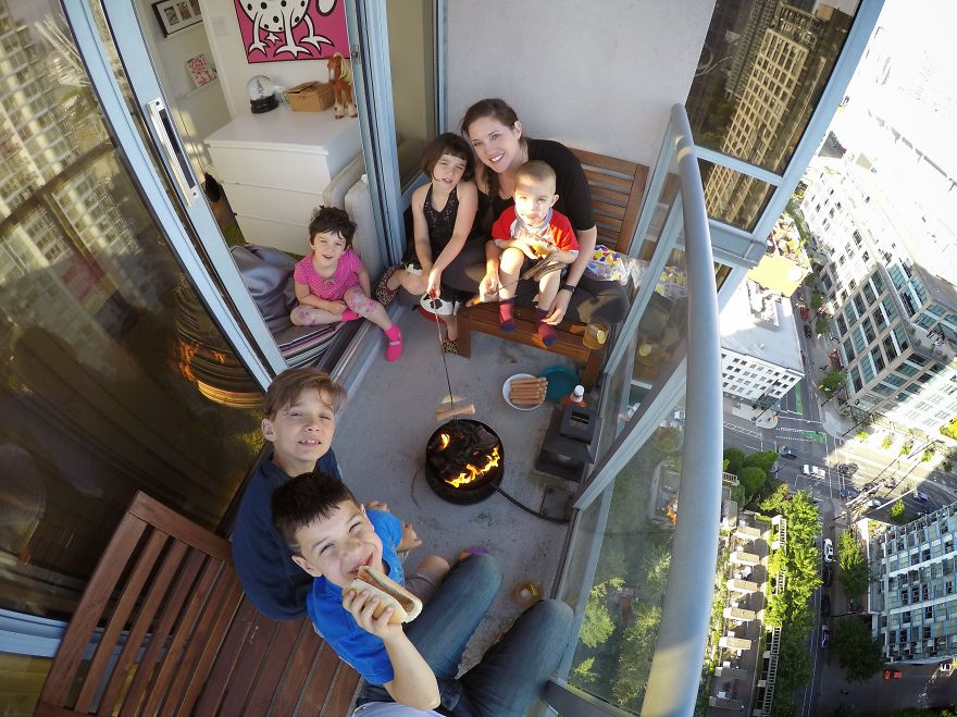 my-family-of-7-lives-in-a-1000-square-foot-downtown-condo-7__880