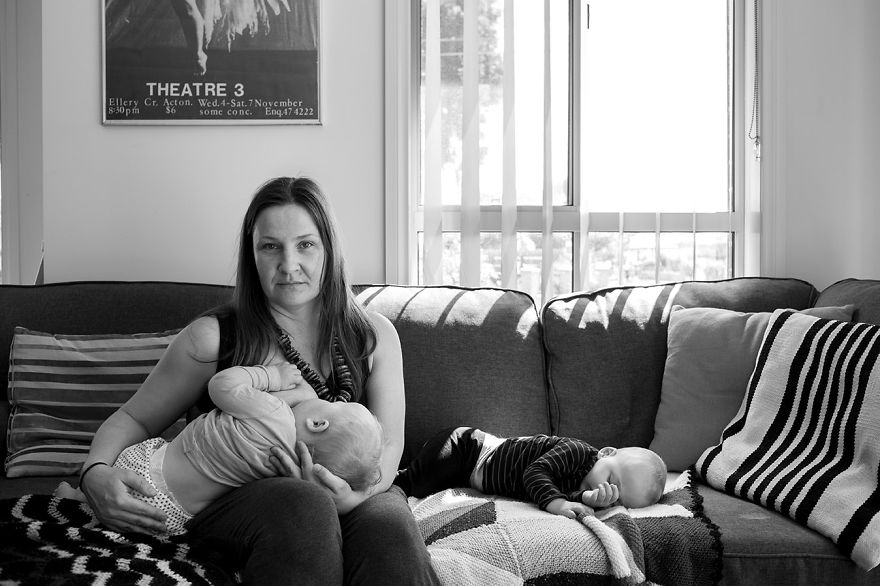 tired-of-staged-breastfeeding-photos-i-started-shooting-it-in-all-its-beautiful-messiness-22__880