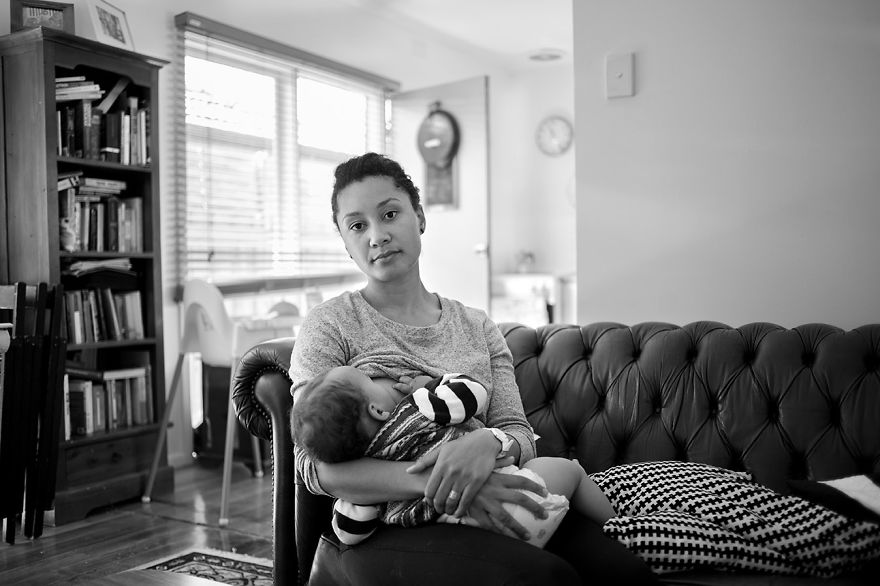 tired-of-staged-breastfeeding-photos-i-started-shooting-it-in-all-its-beautiful-messiness-6__880