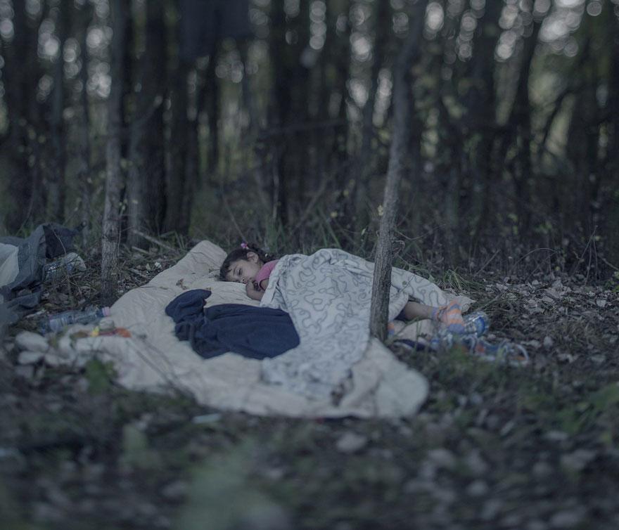where-children-sleep-syrian-refugee-crisis-photography-magnus-wennman-14