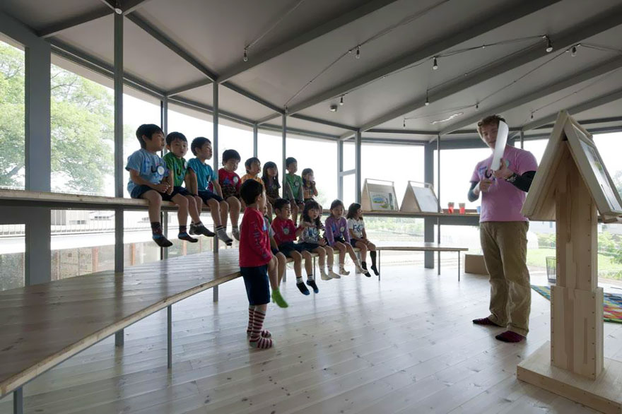 kindergarten-around-tree-zelkova-fuji-tezuka-architects-29