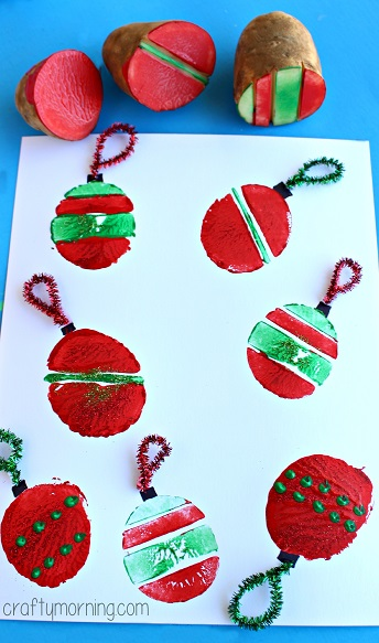 potato-ornament-bulb-stamping-craft-for-kids